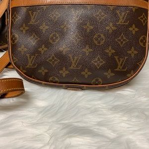Louis Vuitton Bags - Louis Vuitton Jeune Fille Crossbody